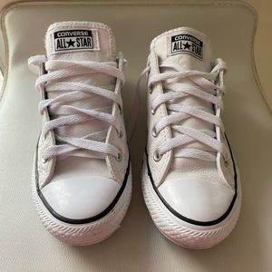 Converse leather sneakers size 6